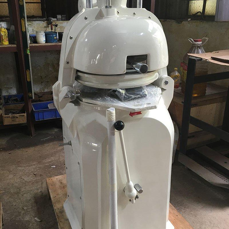 Dough divider and rounder LK-30